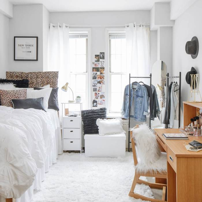 Dorm Room Decor Ideas We Are Obsessed With In 2020 Today With Tayla